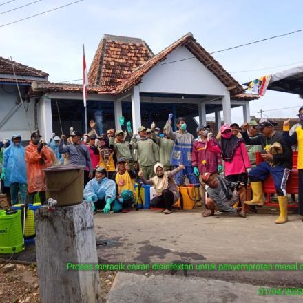 Penyemprotan serentak di Desa Sudo